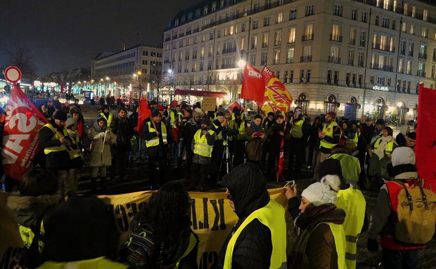 """Gelbe Westen demonstrieren in Berlin: """"Solidarität ist unsere Waffe!"""""""