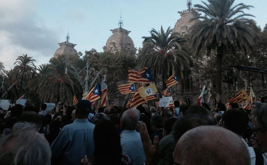 """""""Widerstand gegen die kommende Repression vorbereiten"""" – Augenzeug*innenbericht aus Barcelona"""