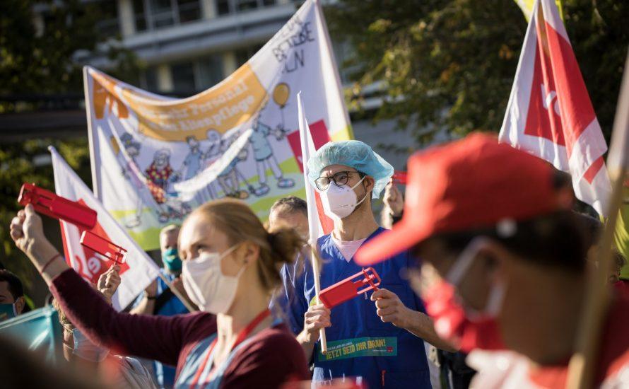 TVöD-Warnstreiks: Die Held:innen fordern Lohn und demokratische Streikentscheidungen