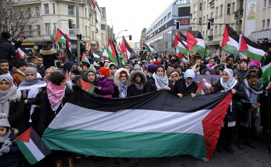 2000 Menschen demonstrieren in Berlin für die Freiheit Palästinas