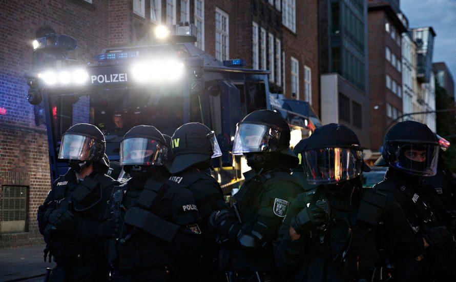 Rondenbarg G20-Prozess: Demonstration gegen die brutalen Angriffe von Polizei und Justiz