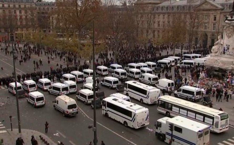 Live aus Paris: Klima-Demonstrierende eingekesselt