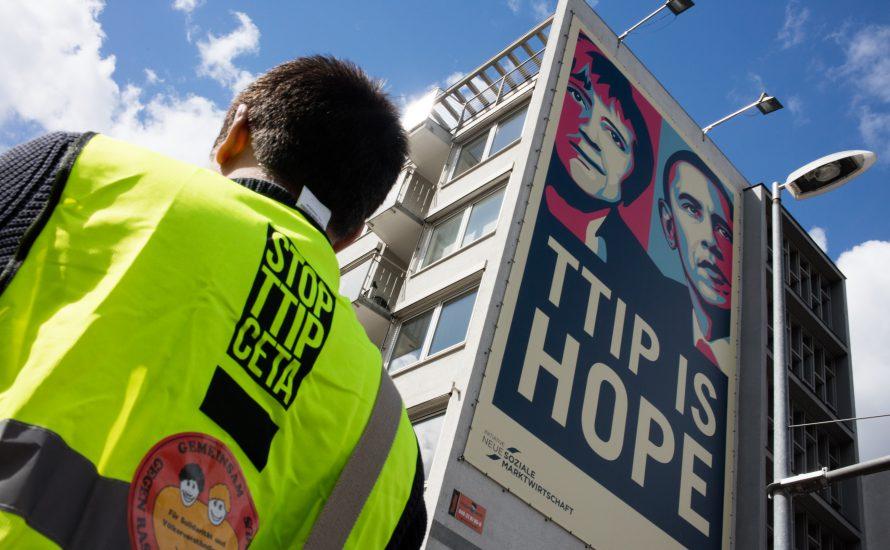 Zehntausende demonstrieren in Hannover gegen TTIP