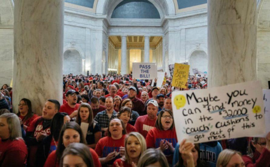 Kämpfen lohnt sich: Streikende Lehrer*innen in West Virginia erwirken Lohnerhöhungen