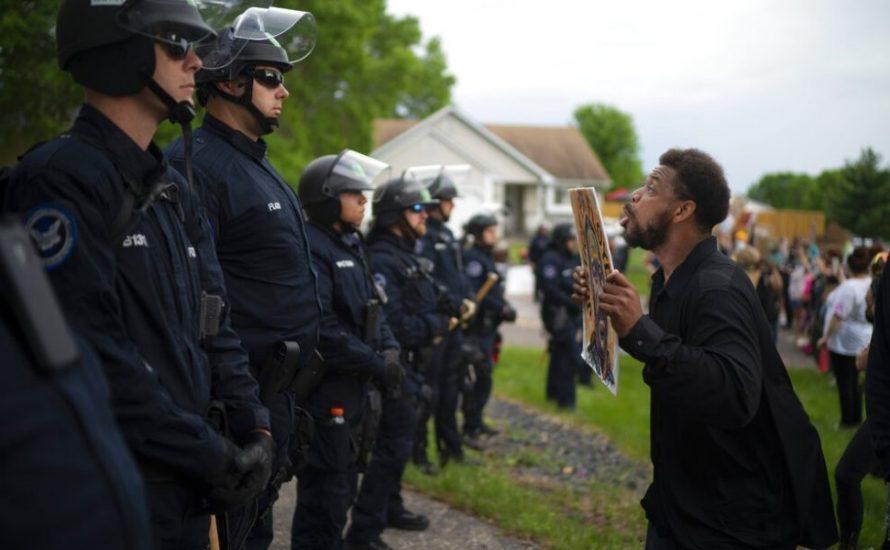 Zweite Nacht des Zorns in Minneapolis: Mörderpolizisten bleiben frei