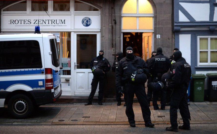 Polizeirazzien gegen G20-Gegner*innen