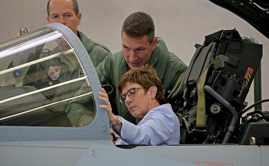 Die Regierung will neue Kampfjets – wir wollen Gesundheit und ein Ende der Kurzarbeit!