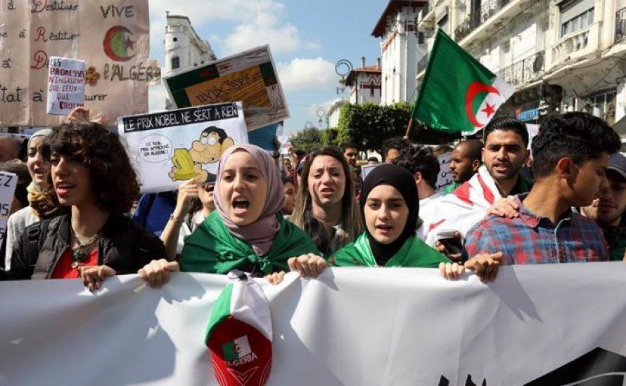 Algerien am Scheideweg: eine neue Phase der Mobilisierung nach dem Rücktritt von Bouteflika?