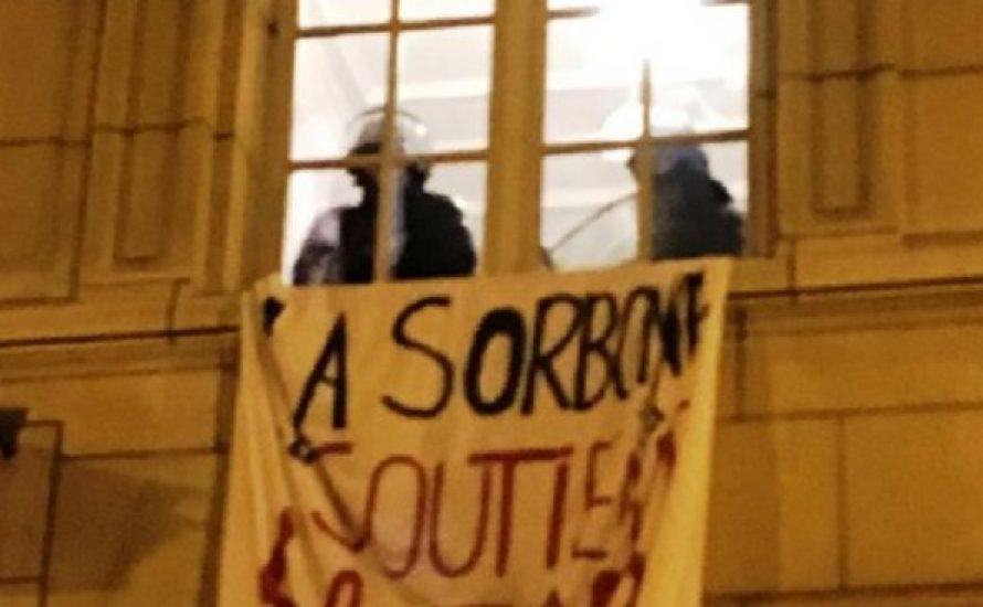 Auf Befehl von Macron: Polizei räumt besetzte Sorbonne gewaltsam