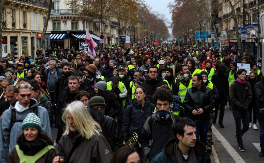 Die Strategie der Angst hat nicht funktioniert: Massenmobilisierungen in ganz Frankreich