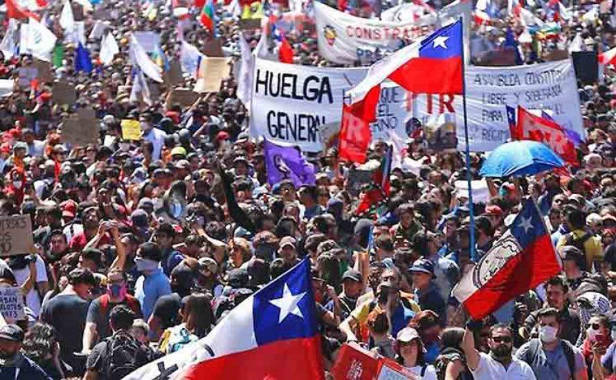 Chile: Mit Generalstreiks und feministischen Mobilisierungen geht die soziale Erhebung weiter