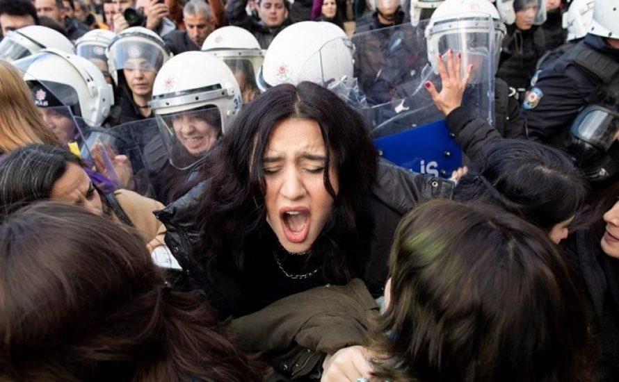 Türkei: 7 Frauen vor Gericht, weil sie