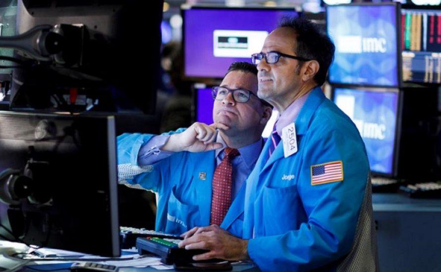 Was steckt hinter dem Fall des Erdölpreises, der die Finanzmärkte in die Tiefe reißt?