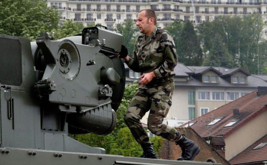 Prunk, Luxus und Repression: Was uns bei G7 in Frankreich erwartet