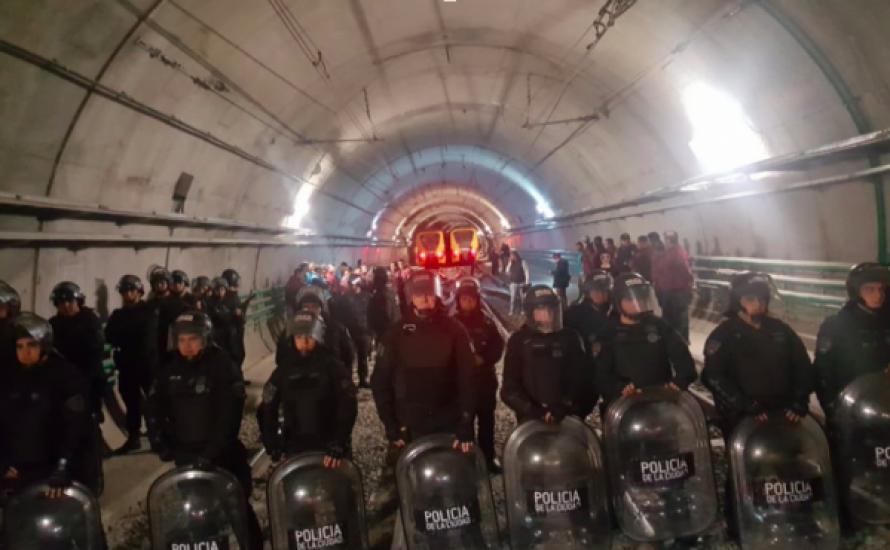Die U-Bahn-Fahrer*innen von Buenos Aires streiken gegen Repression