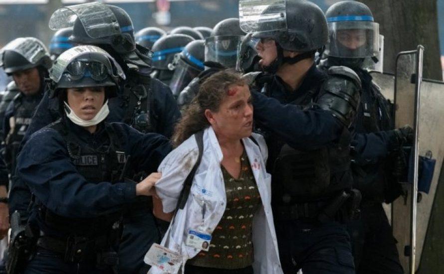 """Krankenpflegerin Farida: Erst """"Heldin"""", dann von der Polizei verprügelt - Solidarität mit Kolleg*innen in Frankreich"""
