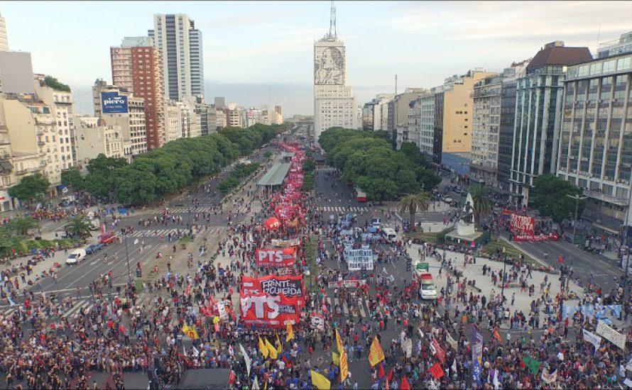 [Video] Großdemo zum 40. Jahrestag des argentinischen Militärputsches