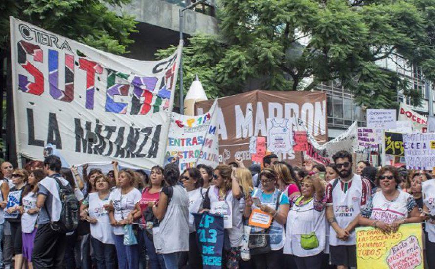 Argentinien: Harter Arbeitskampf in den Klassenzimmern