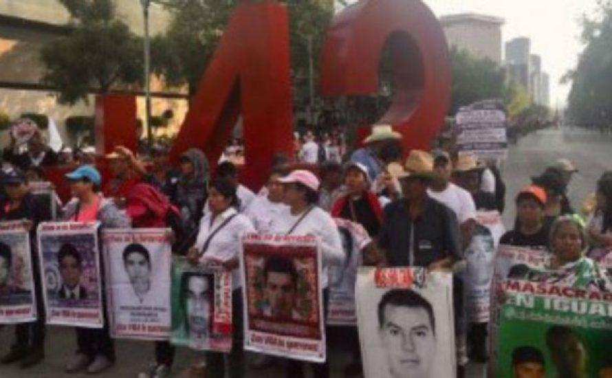 31 Monate ohne die 43 aus Ayotzinapa