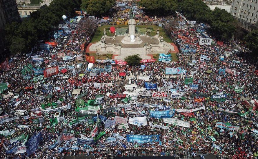 Argentinien: Widerstand gegen geplante Arbeitsmarktreform wächst