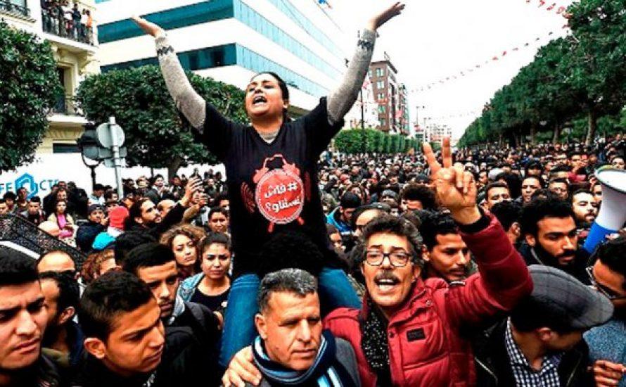 Tunesien: Regierung ermordet einen Demonstranten – Wut gegen Sparmaßnahmen nimmt zu