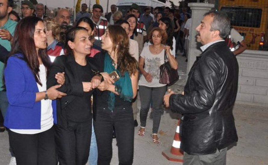 Rassistischer Angriff auf kurdische Beerdigung