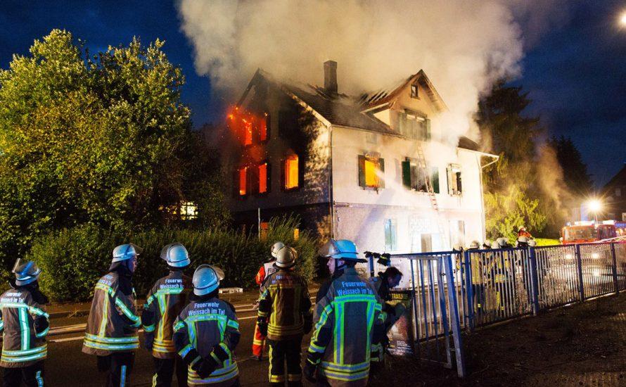 Angriffe auf Geflüchtete – in Bayern nicht für Öffentlichkeit geeignet