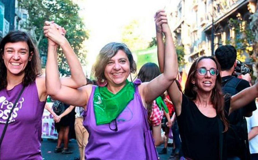 Andrea D'Atri beginnt ihre Vortragsreise durch Europa