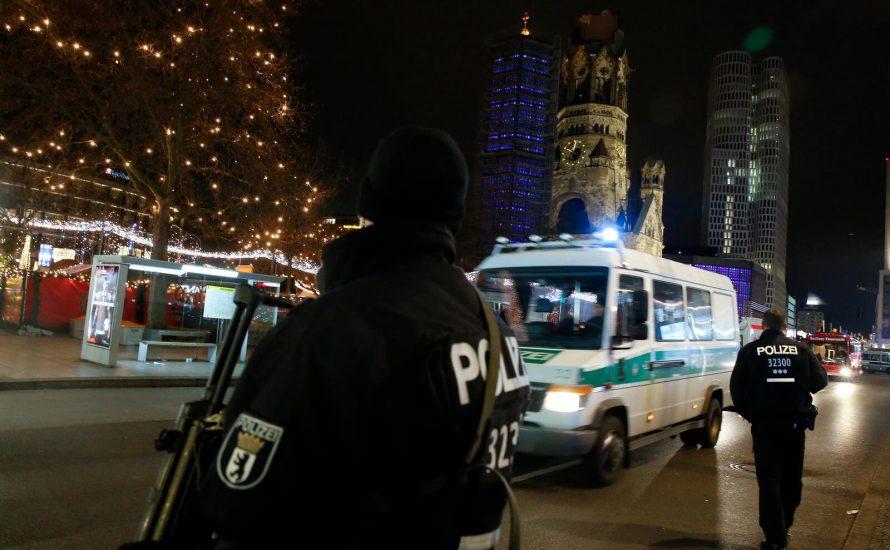Mindestens zwölf Tote und dutzende Verletzte auf Weihnachtsmarkt in Berlin
