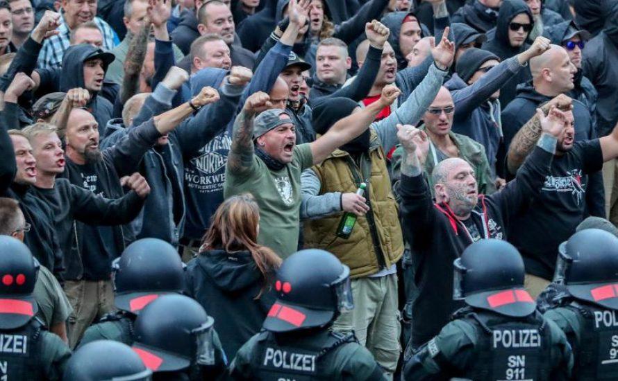 Die Wende und die Nazis: Gespenster der bürgerlichen Restauration