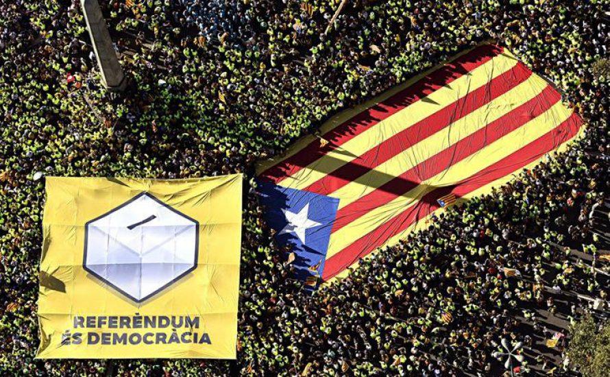 Demonstration in Barcelona: Eine Millionen für Unabhängigkeits-Referendum