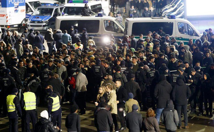 Silvester in Köln: Alle danken der Polizei für Rassismus und Militarismus