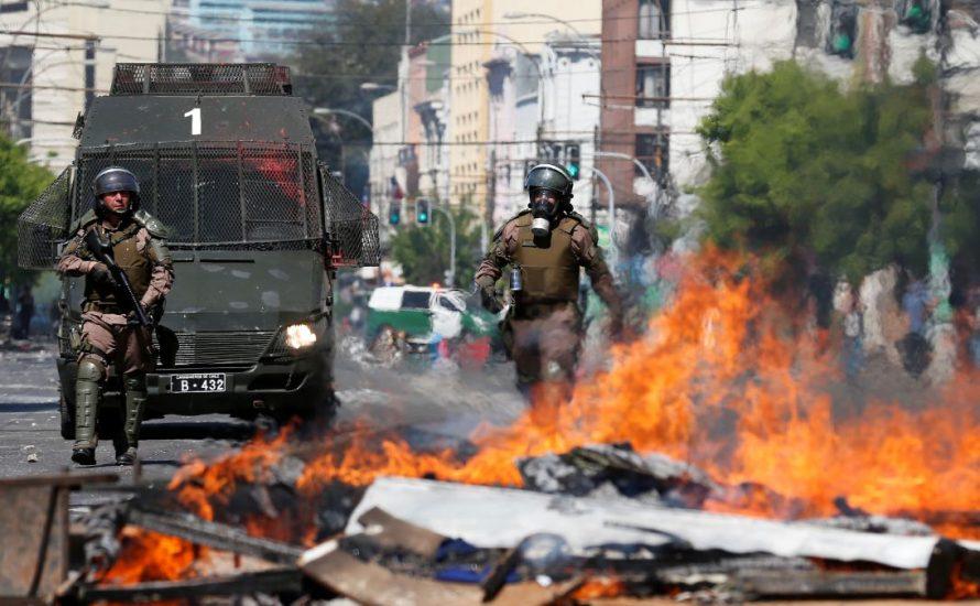 Chile brennt auf der Straße, relative Normalität im Senat und im Parlament