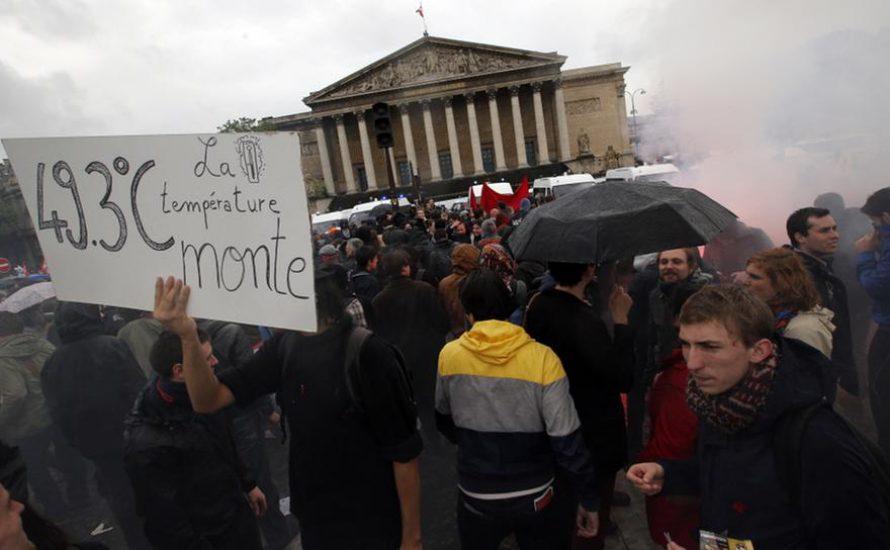 Hollande setzt per Dekret die gehasste Arbeitsmarktreform durch