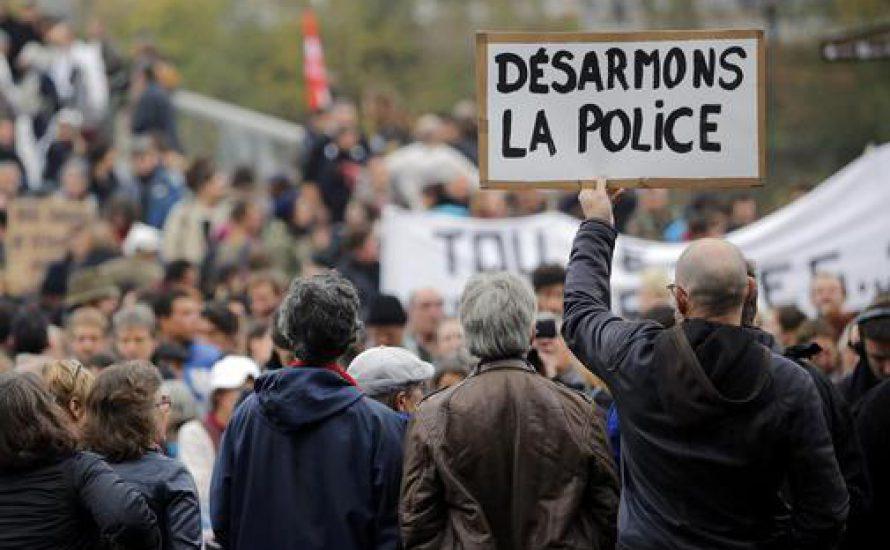"""""""Eine Bande von Vergewaltigern"""" – Proteste gegen Polizeigewalt in Frankreich"""