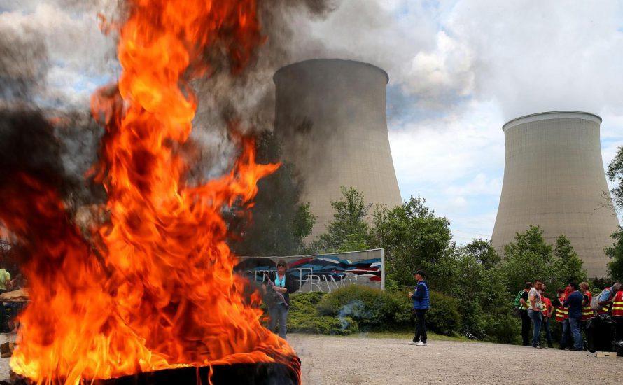 Atomkraftwerke, Raffinerien, Häfen, Eisenbahn, Amazon…: Frankreich vor dem völligen Stillstand [mit Fotogalerie]