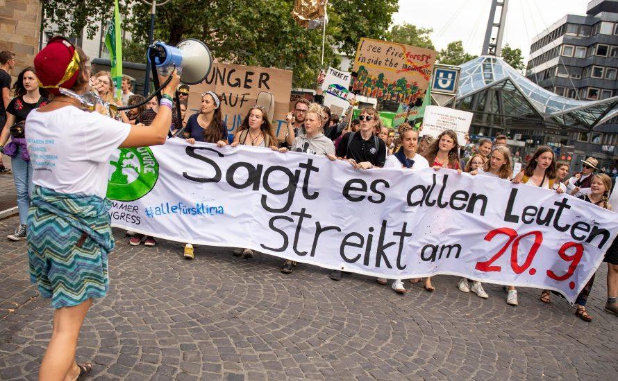 Das Streikrecht herausfordern, um den Planeten zu retten