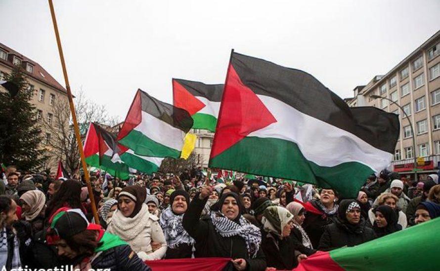 Happy Chanuka und Free Palestine!