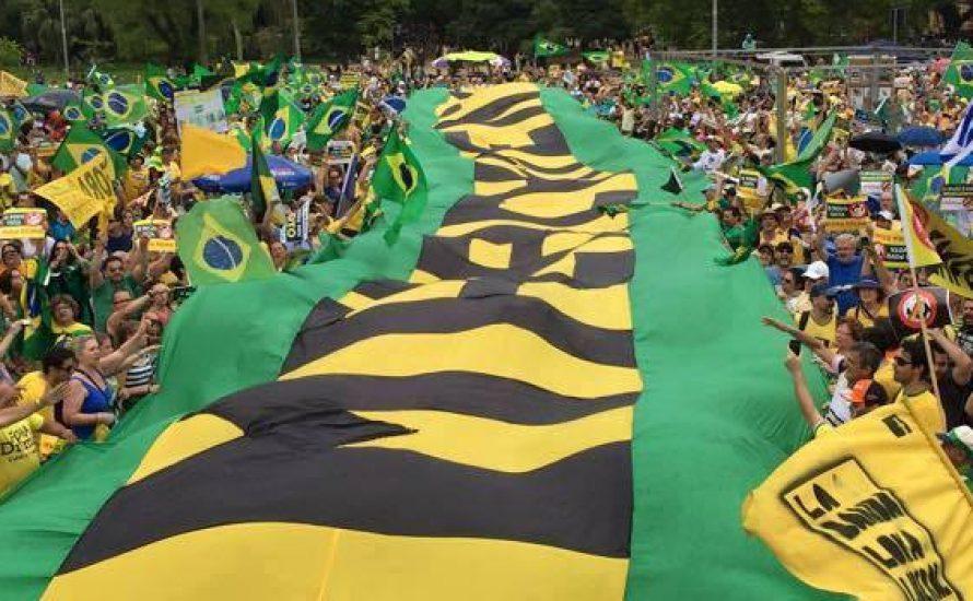 Brasilien: Justiz und rechte Opposition wollen Regierung stürzen
