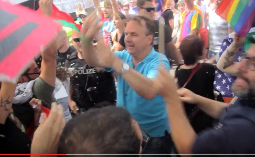 Schlägt Oliver Höfinghoff (MdA, Piraten / Linke) auf israelische und palästinensische Queer-Aktivist*innen ein? [mit Videos]