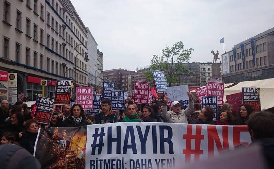 Die Proteste des Nein-Lagers gegen Erdogan erreichen Berlin!