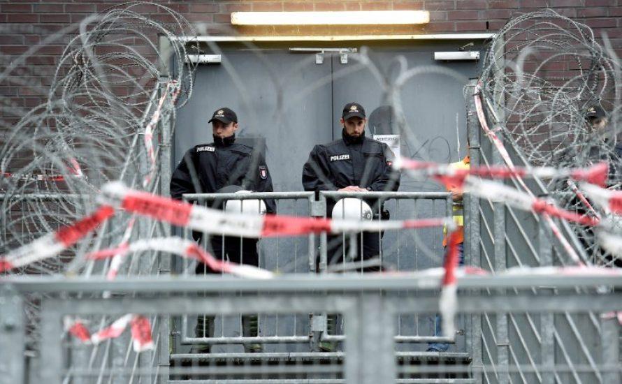 Ihr Sohn ist seit einem Monat im Hamburger Gefängnis
