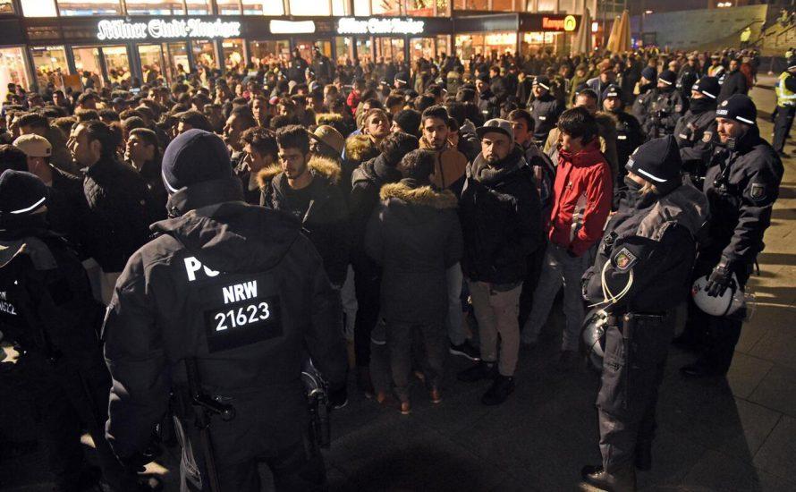 Rassistische Kontrollen in Köln: Nur wer weiß ist, kommt rein