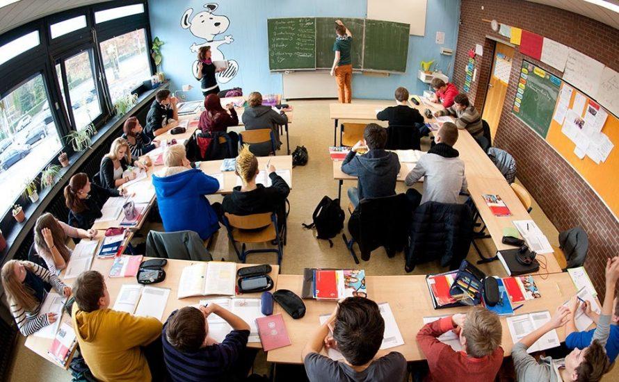 Lehrer*innen fordern: Kürzere Arbeitstage für weniger Stress und bessere Lernqualität