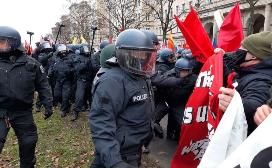 Trotz Polizeigewalt: Tausende Teilnehmer:innen bei Luxemburg-Liebknecht-Demo