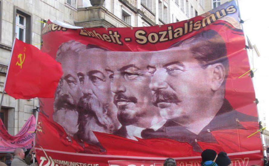 LL-Demo: Revolutionäres Gedenken oder stalinistischer Karnevalsumzug?