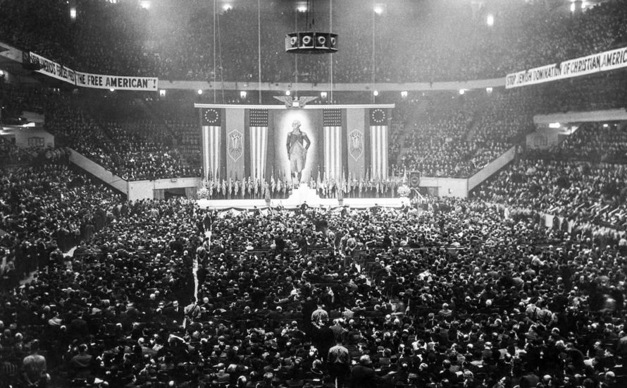 Als 20.000 Nazis eine Arena in New York füllten, wer stellte sich ihnen entgegen?