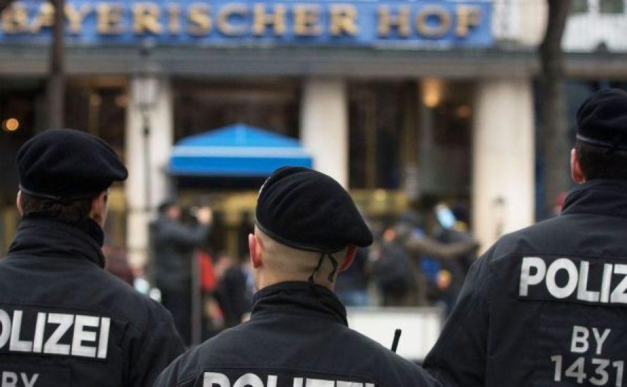 Foyer der Sicherheitskonferenz in München besetzt [mit Video]