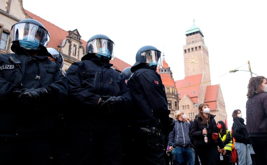 Staatliches Kalkül: Polizei greift bundesweit 1. Mai-Demos an [Mit Videos]