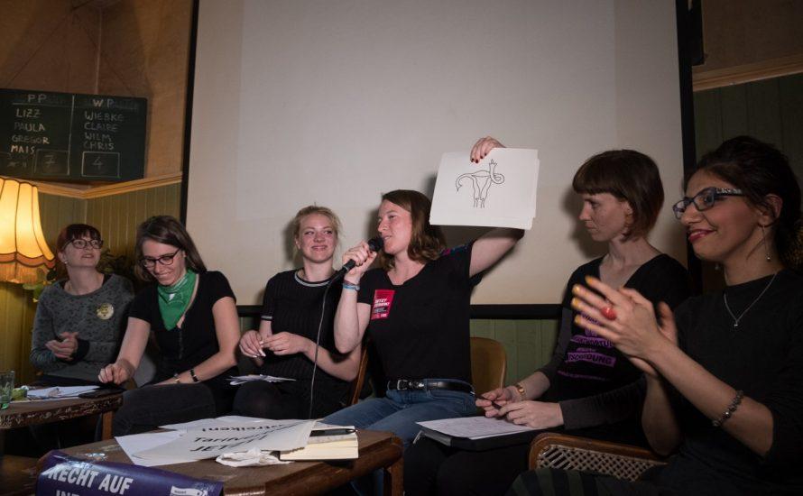 150 Menschen diskutieren in Berlin über Abtreibung und Streiks